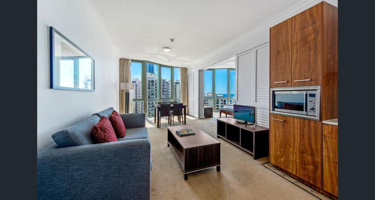 Отель  Legends Hotel Penthouse Lvl Spa Suite in Surfers Paradise  - отзывы Booking