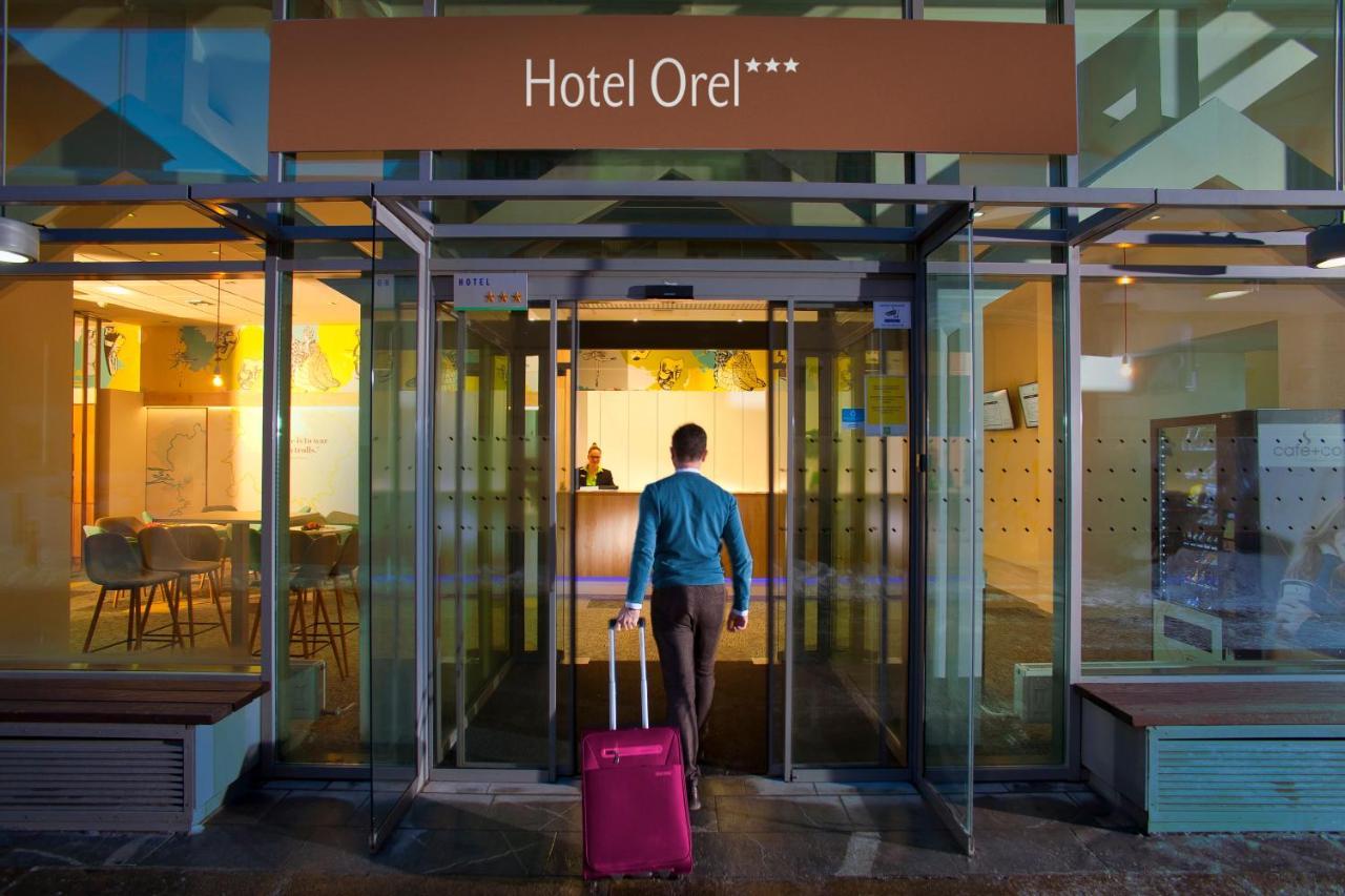 Отель  Hotel Orel