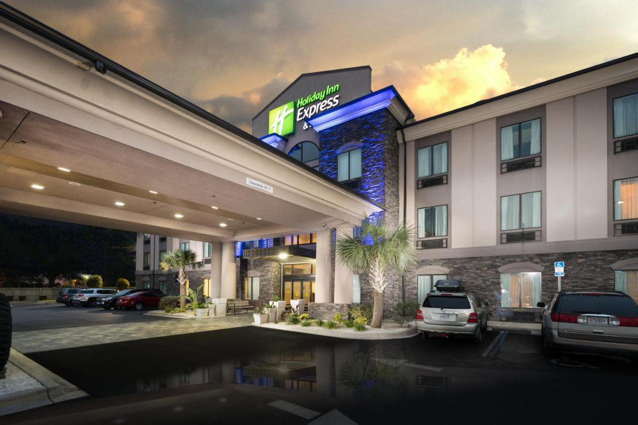 Отель Holiday Inn Express Hotel & Suites Fort Walton Beach Hurlburt Area, an IHG hotel - отзывы Booking