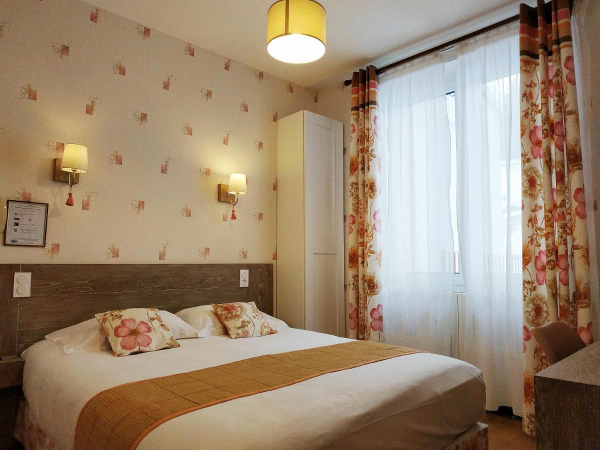 Отель  Отель  Le Grillon