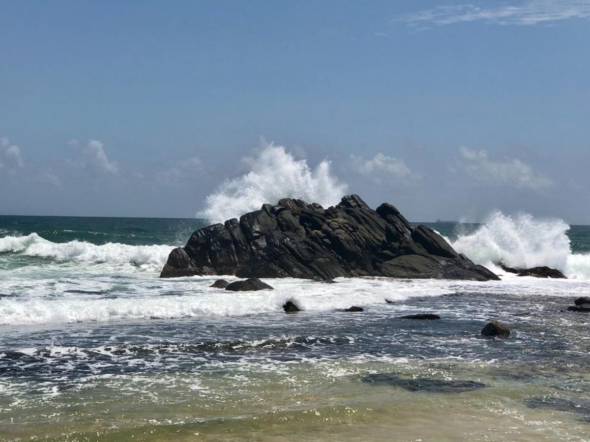 Отель  Rockside Cabanas Hotel  - отзывы Booking