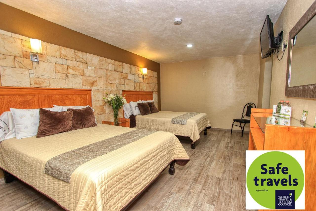 Отель  Hotel Mansion Del Cantador