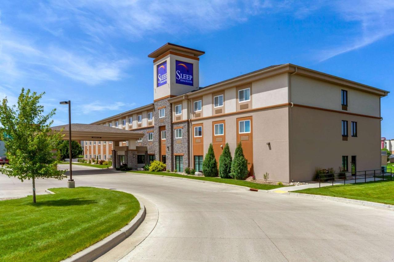 Отель  Отель  Sleep Inn & Suites I-94