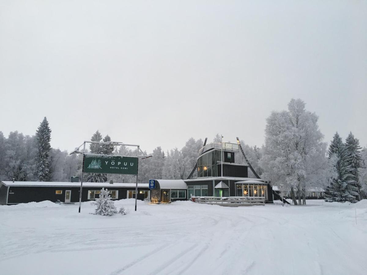 Отель  Hotel Yöpuu