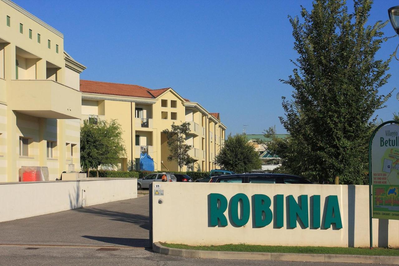 Апартаменты/квартиры Robinia/Pinetine Lido Altanea