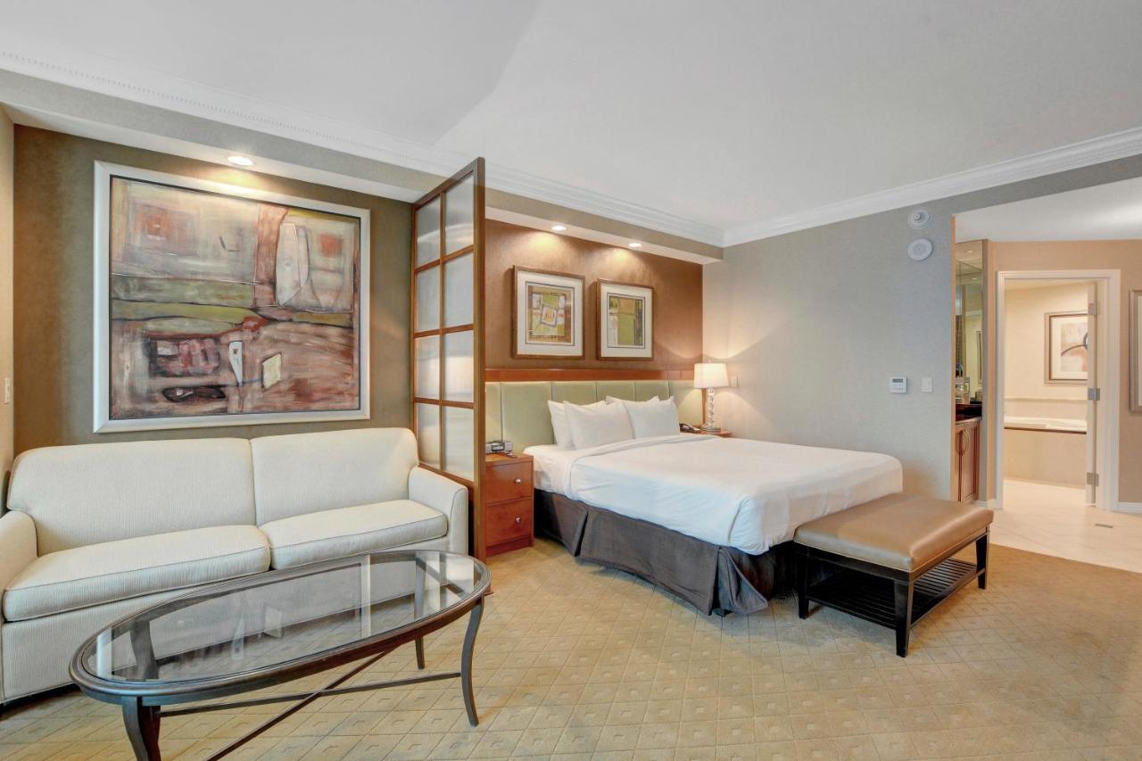 Отель  Strip View Suite at MGM Signature  - отзывы Booking