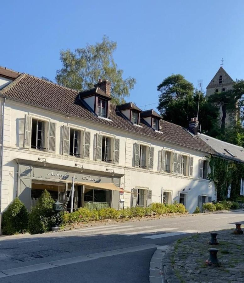 Отель  Auberge Du Chasseur