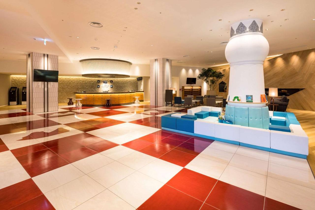 Отель  Comfort Suites Tokyo Bay