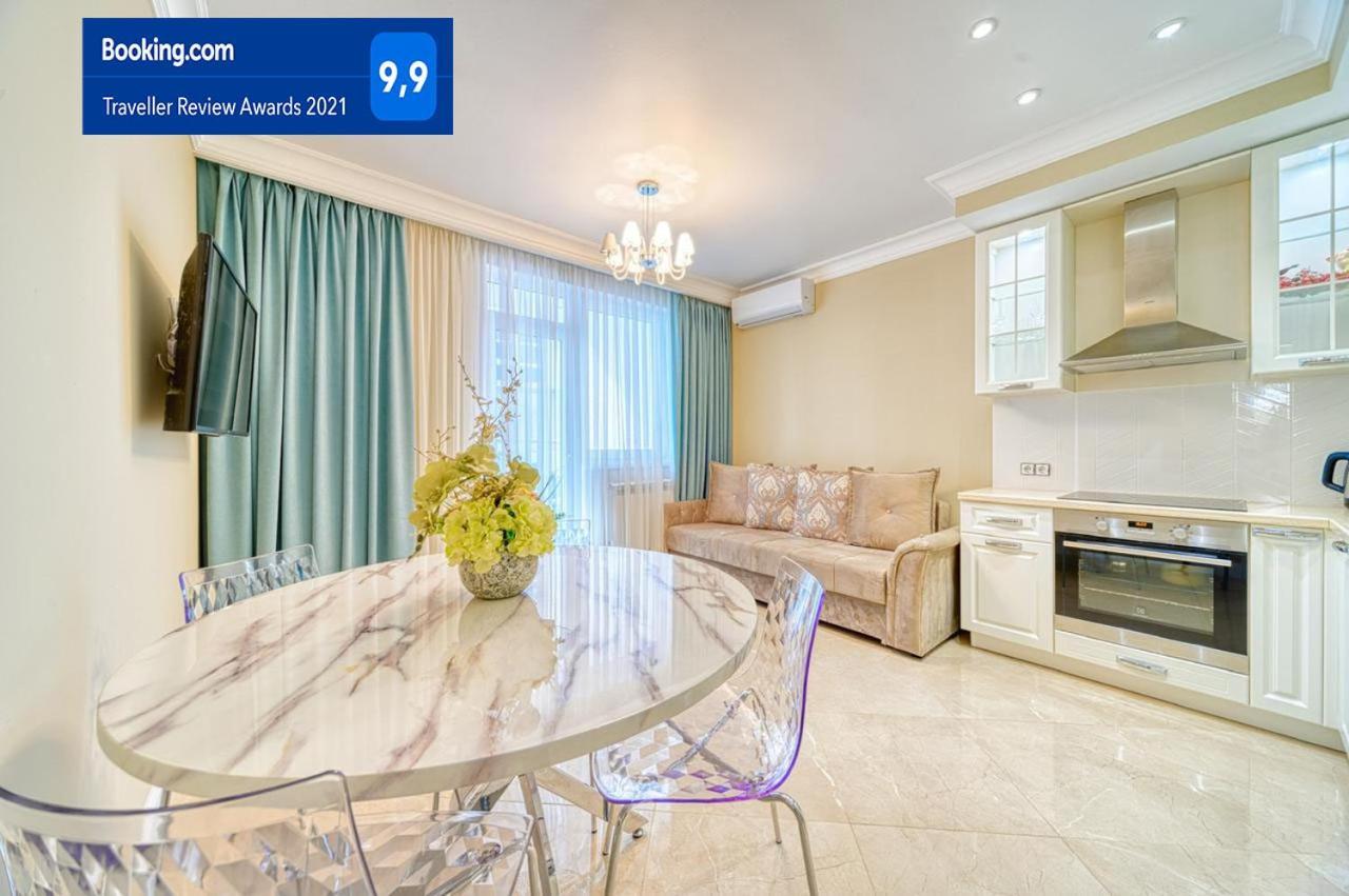 Апартаменты/квартира Прекрасная светлая квартира с видом на море в доме Бизнес класса - отзывы Booking