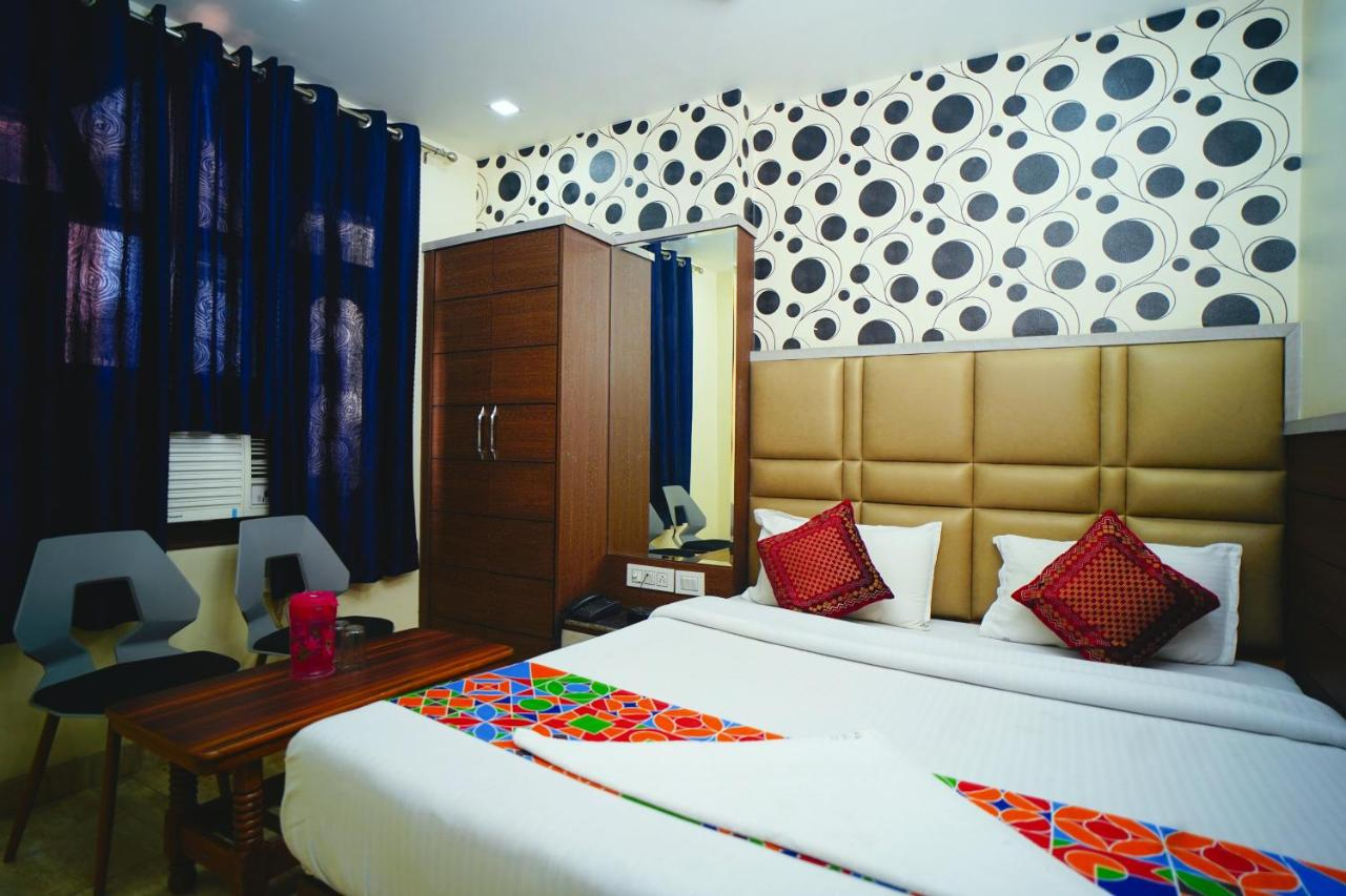 Отель  Hotel Delhi Darshan Deluxe  - отзывы Booking