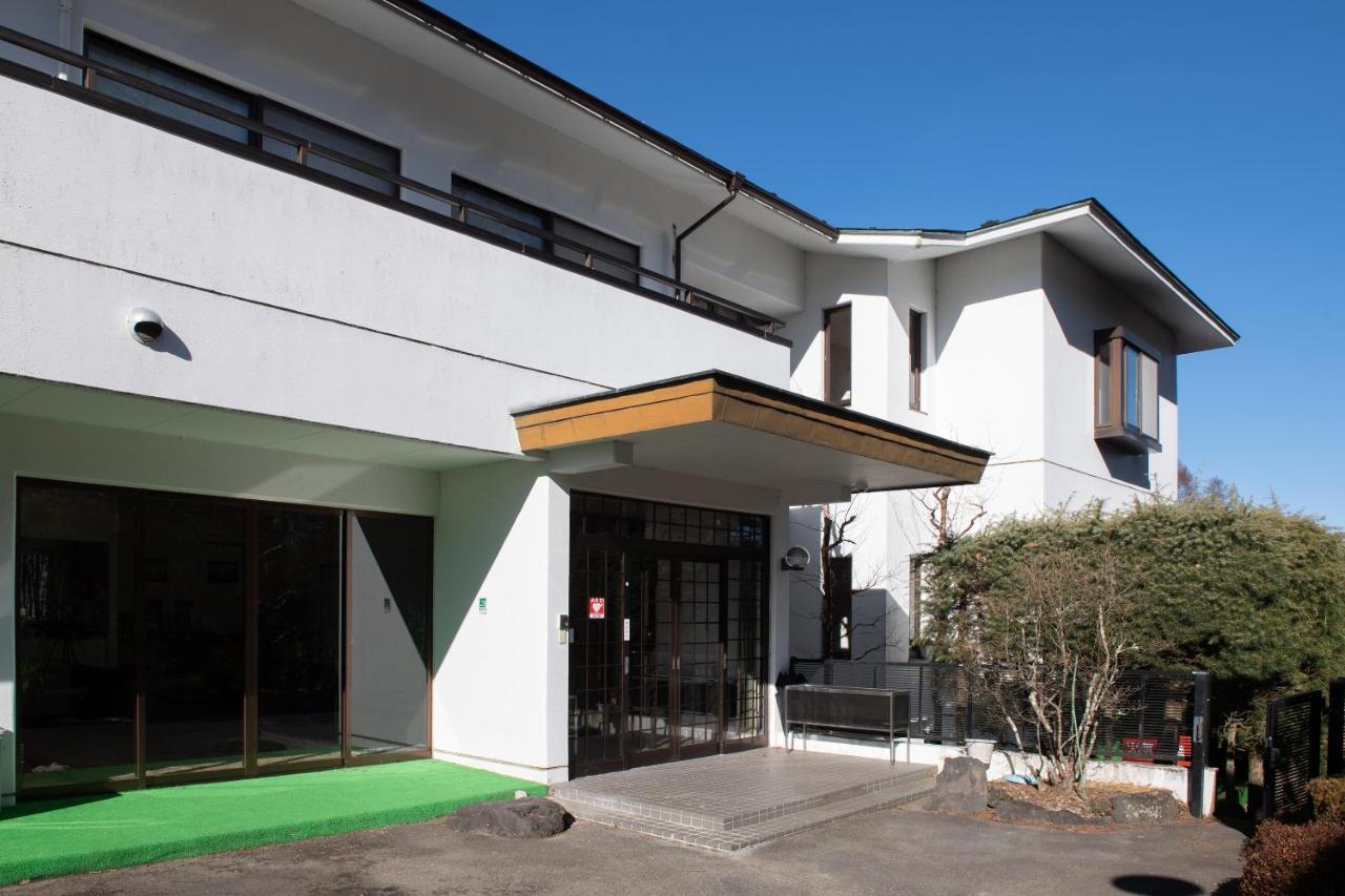 Отель  OYO Ryokan La Salle Yamanakako  - отзывы Booking