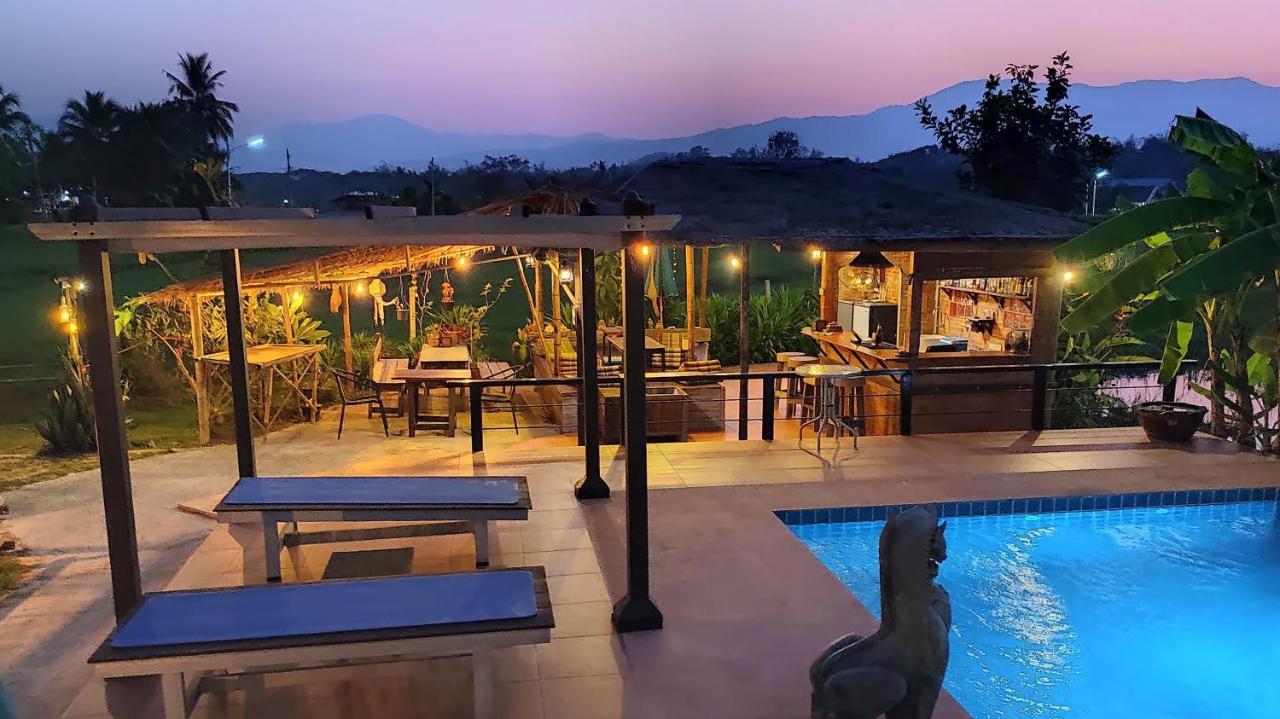Курортный отель  Country Retreat