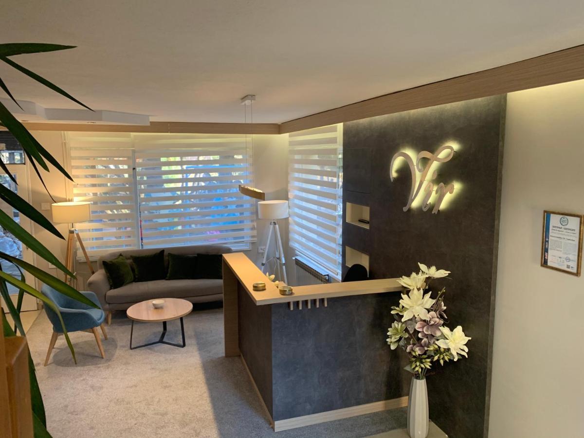 Отель типа «постель и завтрак»  Garni Hotel Vir