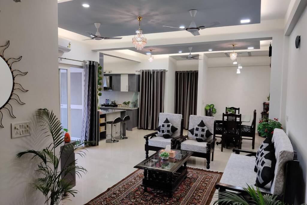 Апартаменты/квартира  Anand's Aashiyana homestay owner run property R2  - отзывы Booking