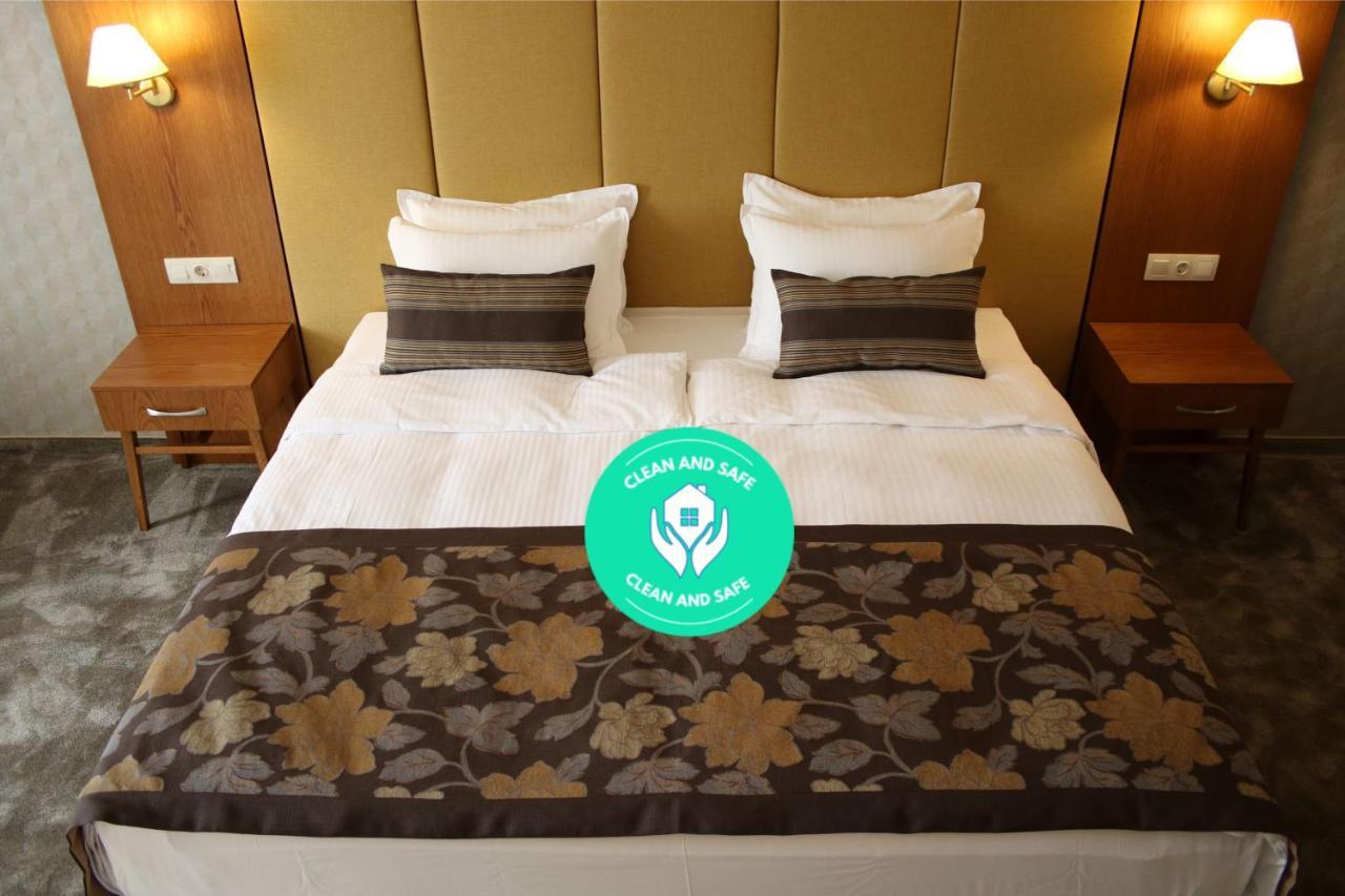 Отель  Hotel Golden Tulip Varna