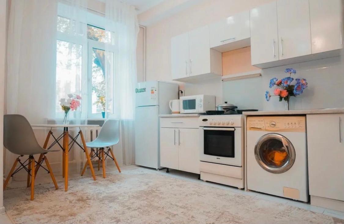 Апартаменты/квартира  Апартаменты на Сейфуллина Кабанбай Батыра