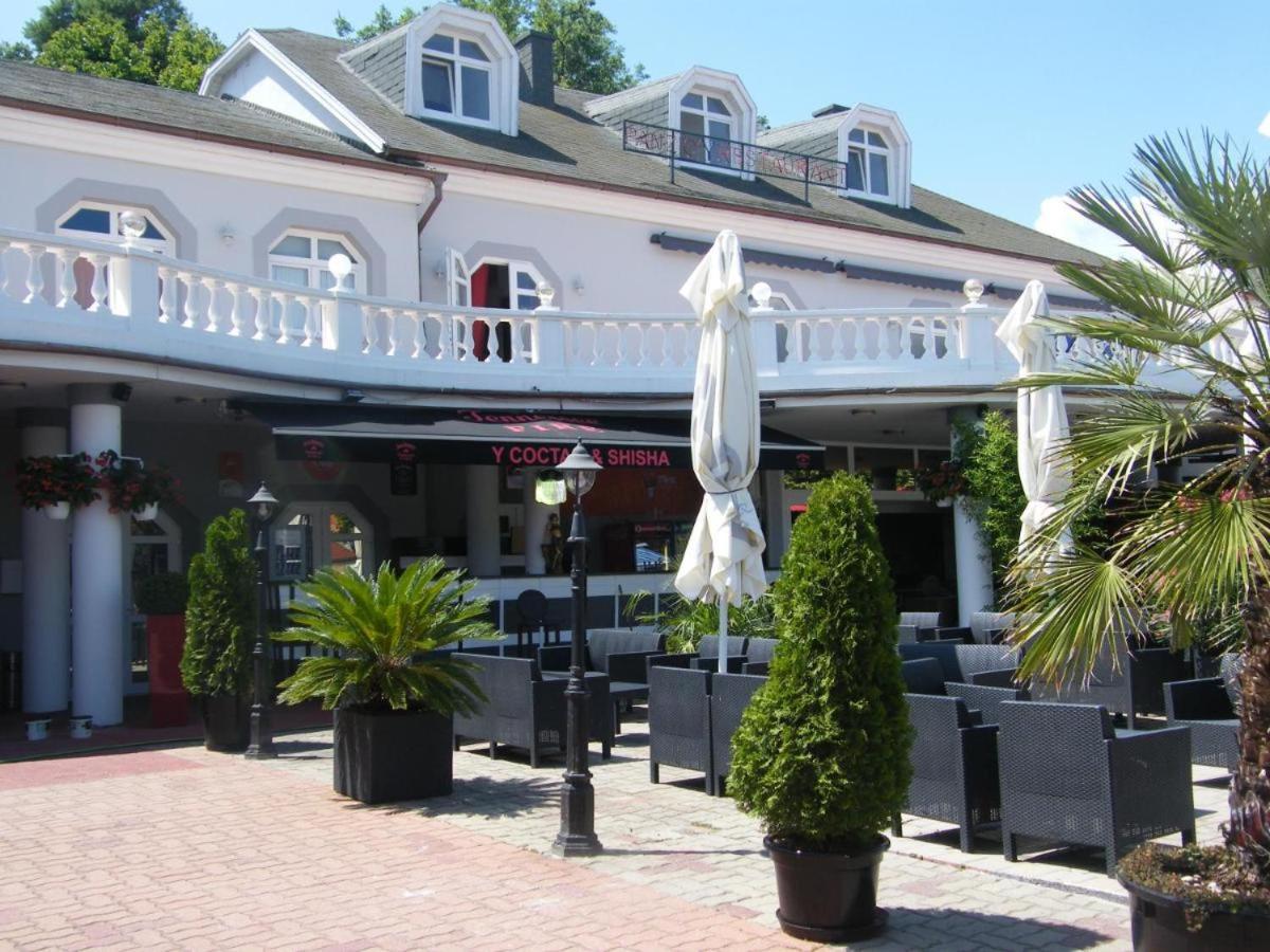 Отель типа «постель и завтрак»  Y Panzió  - отзывы Booking