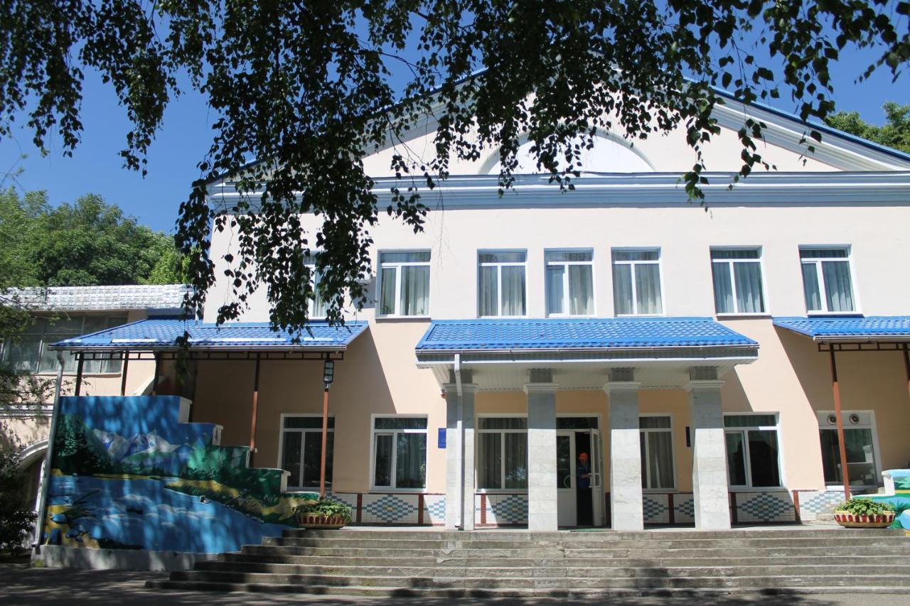 Санаторий Sanatoriy Salut - отзывы Booking