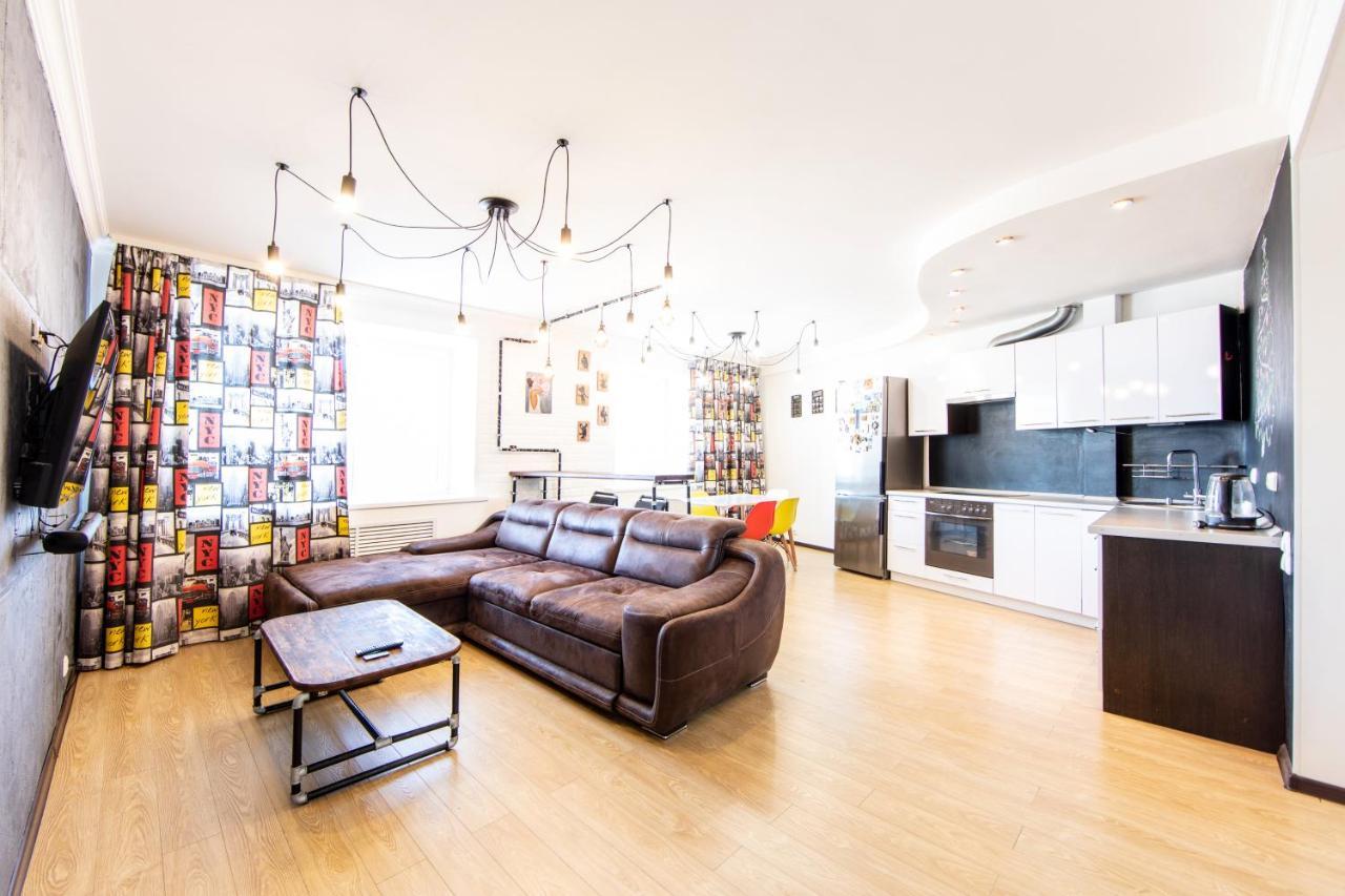 Апартаменты/квартира  3к квартира с дизайнерским ремонтом рядом с Аквапарком  - отзывы Booking