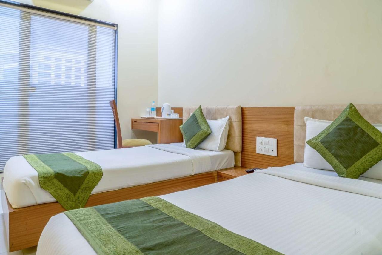 Отель  Hotel Seven Hills Inn by EH  - отзывы Booking