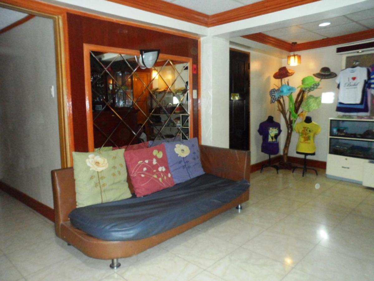 Отель  Vest Grand Suites