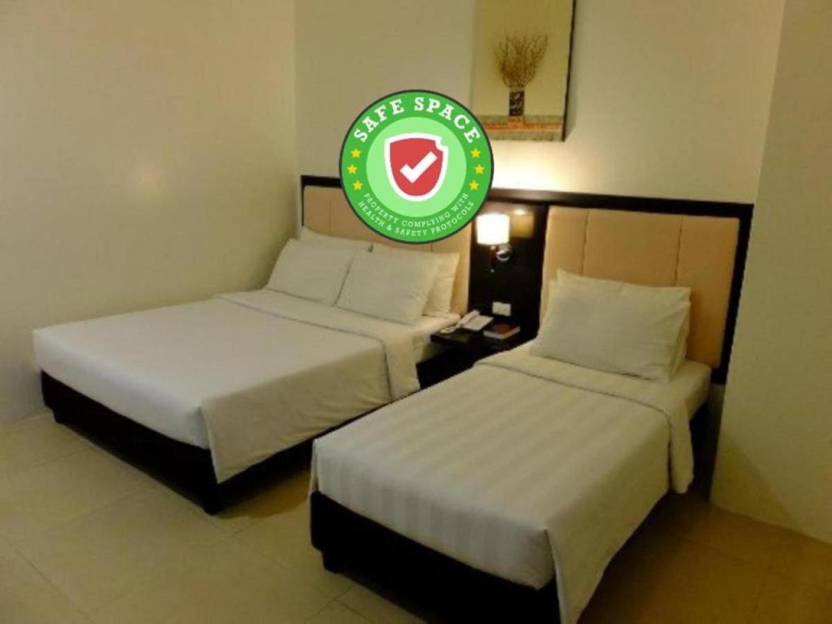 Отель  Reddoorz Plus near Robinsons Dumaguete  - отзывы Booking