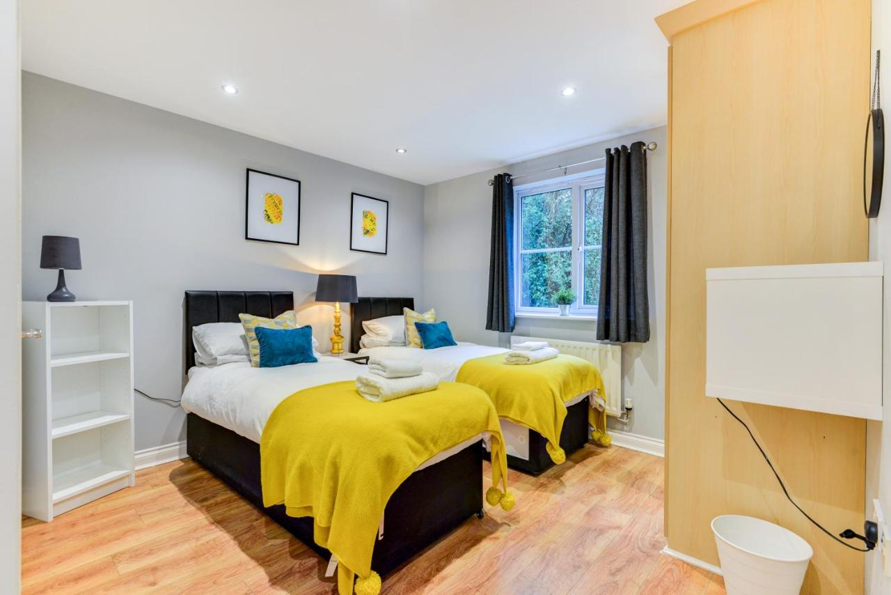 Апартаменты/квартира  Comfortable Ground Floor Flat Sleeps 4-6 With Private Parking By Sussex Short Lets