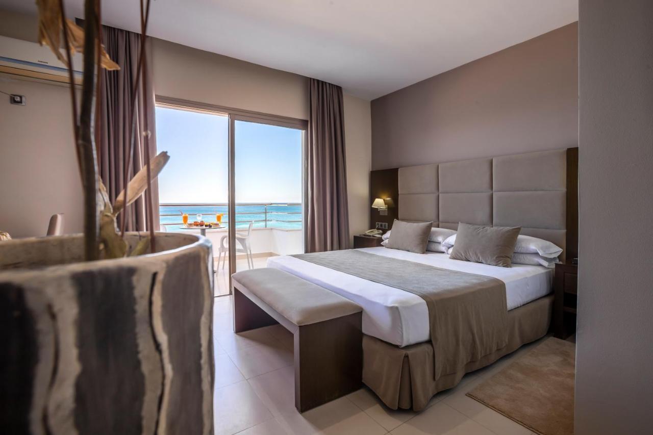 Отель  Suites Hotel Omeya  - отзывы Booking
