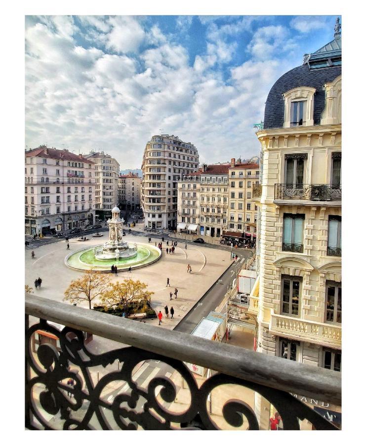 Отель  Mercure Lyon Centre Beaux-Arts  - отзывы Booking