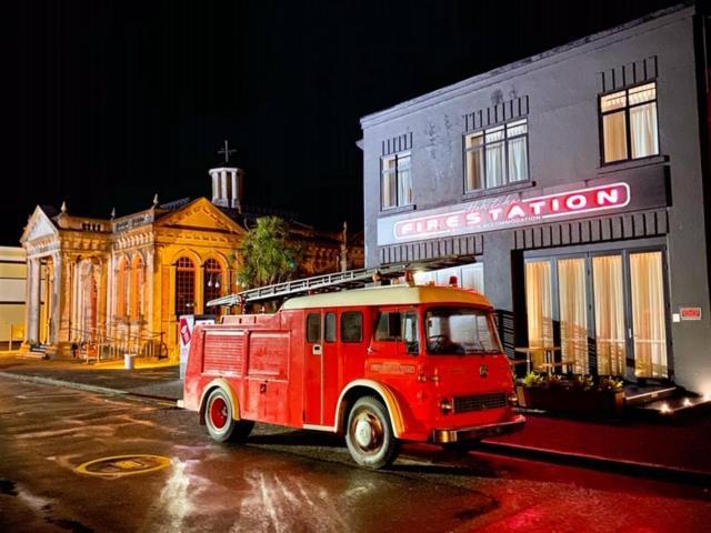 Апарт-отель  Hokitika Fire Station Boutique Accommodation