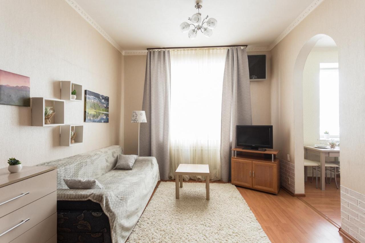 Апартаменты/квартира  Апартаменты Живи Уютно у Северсталь