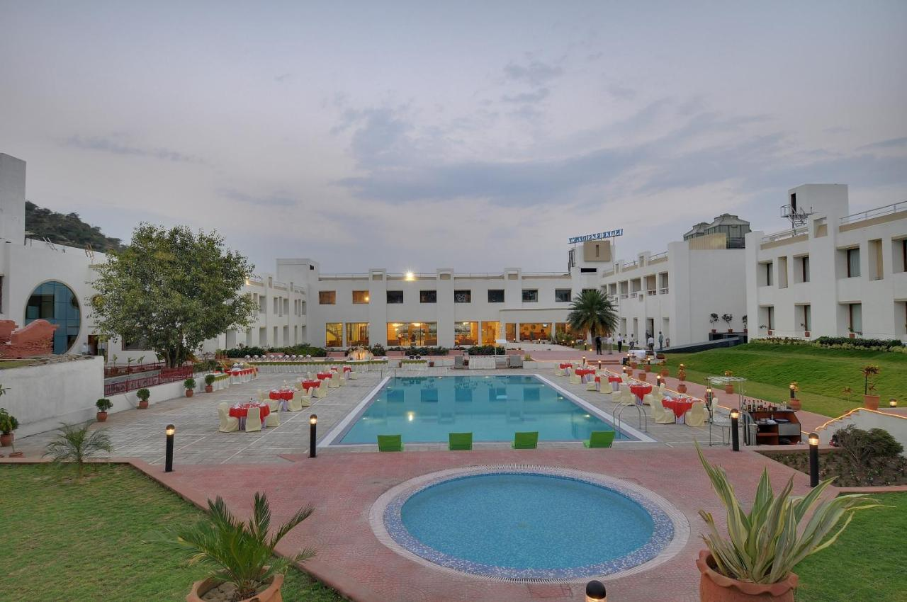 Отель  Inder Residency Udaipur  - отзывы Booking