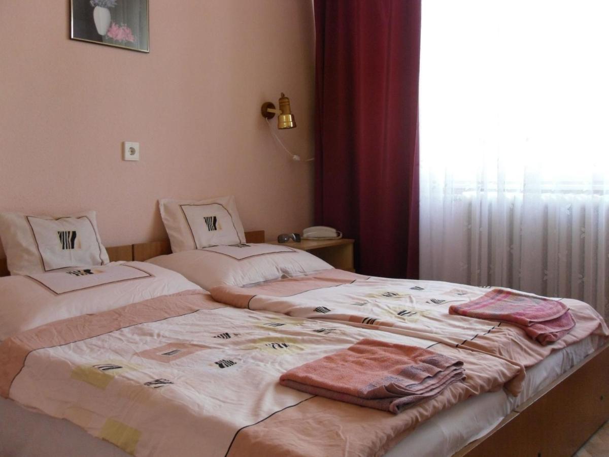 Отель  Napsugár Szálló Zamárdi  - отзывы Booking