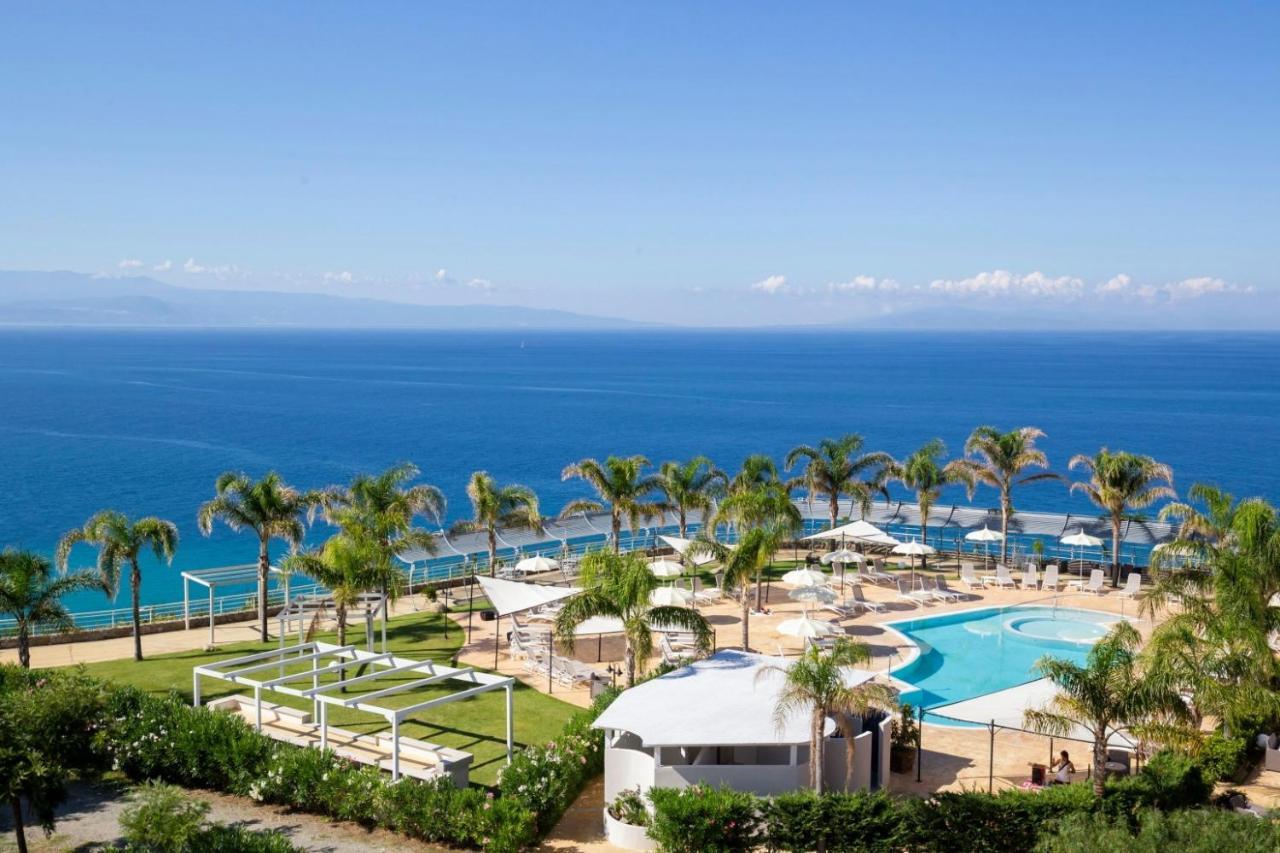 Отель  Blue Bay Resort  - отзывы Booking