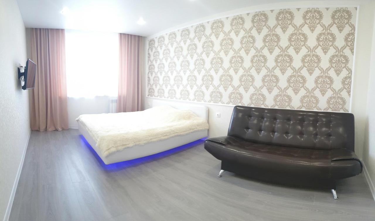 Апартаменты/квартира  Apartment on 8 Marta 17A  - отзывы Booking