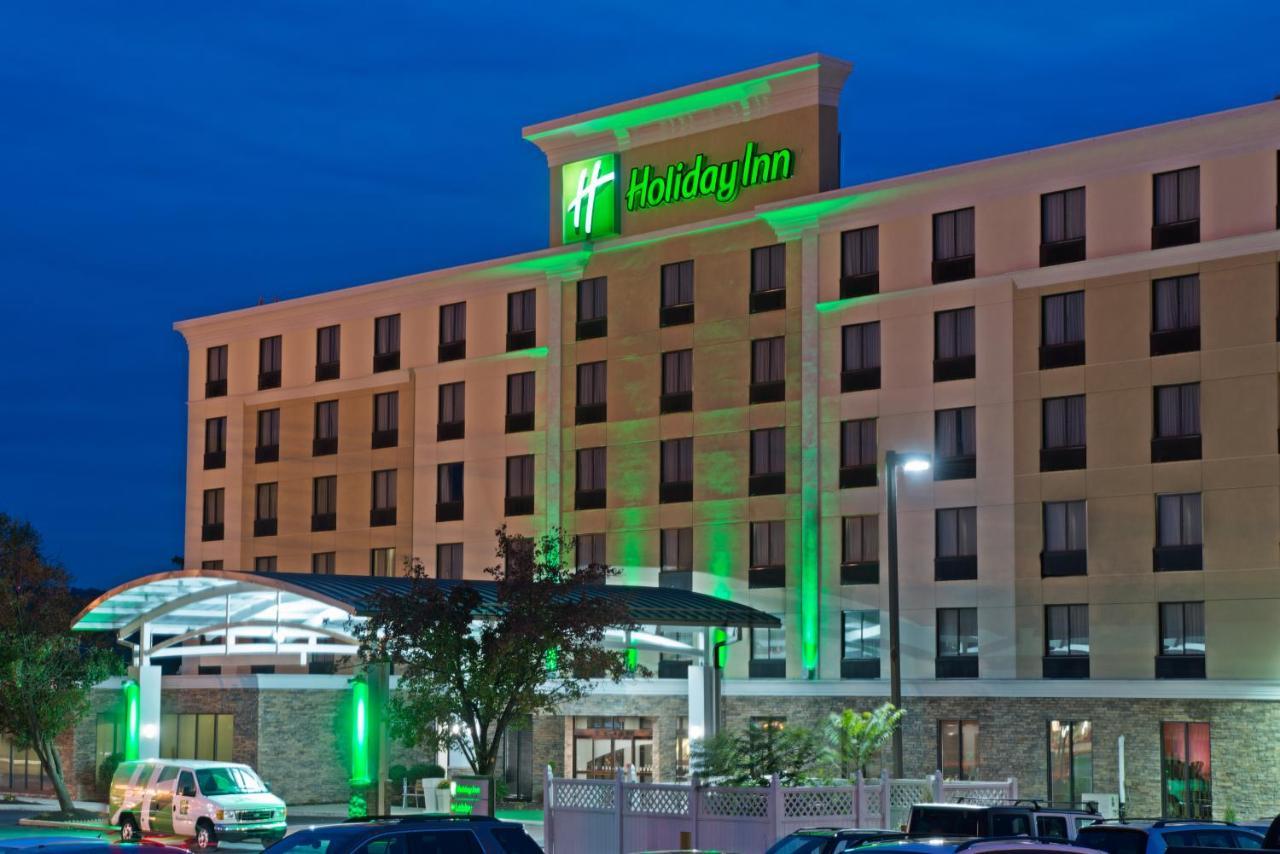 Отель  Отель  Holiday Inn Harrisburg East Airport, An IHG Hotel