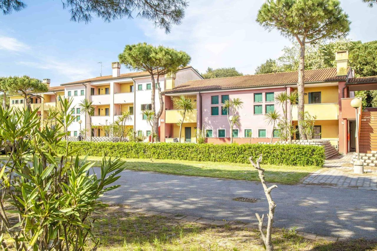 Курортный отель  Aparthotel Tize' Village