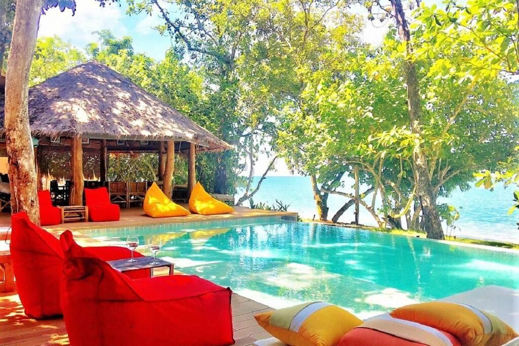 Вилла  AMANTARA VILLA, Private Beachfront 4 Bedrooms Villa