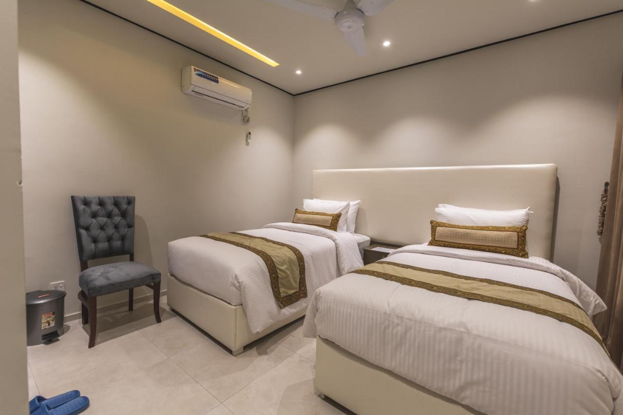 Отель Отель Trivelles Executive Suites Islamabad