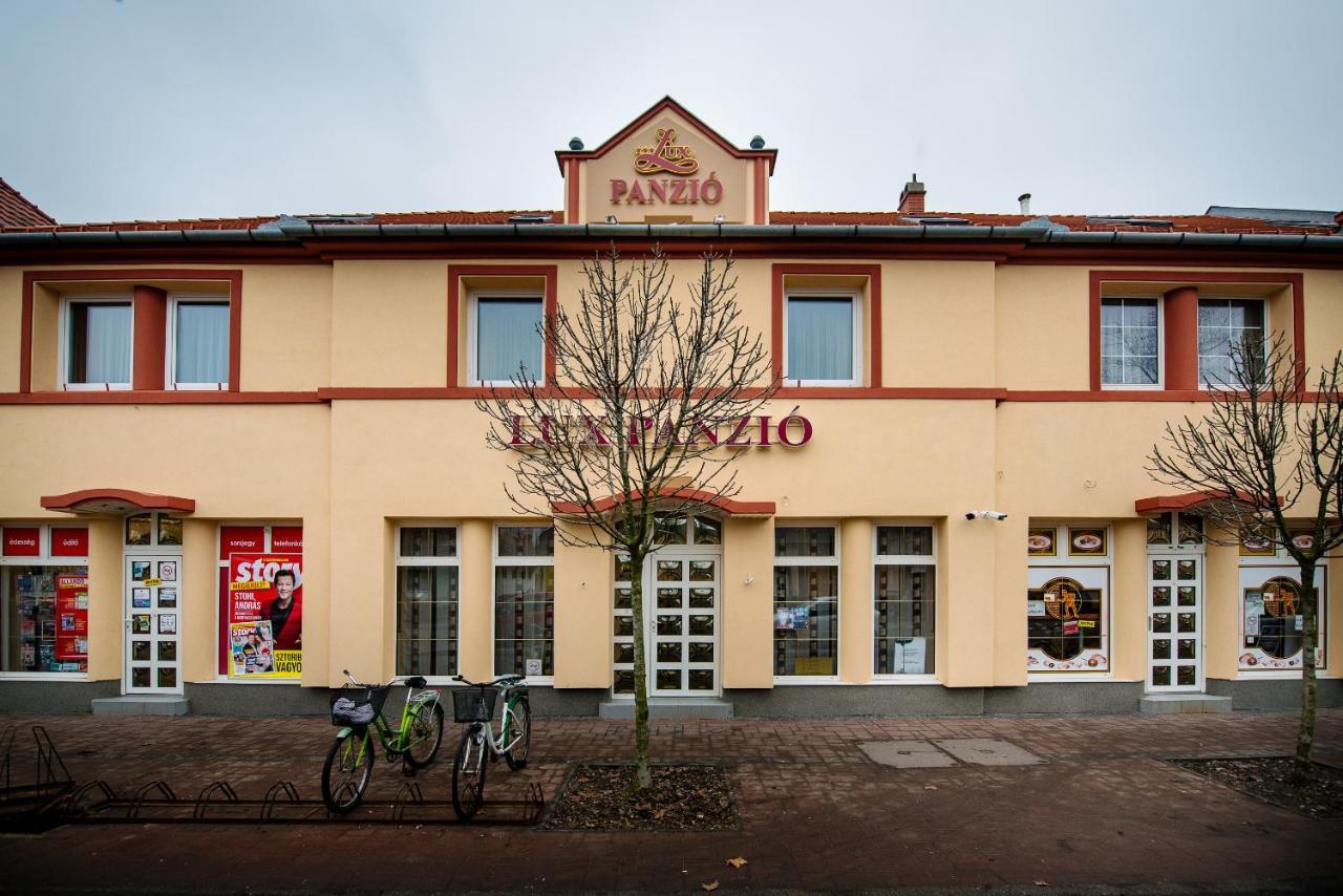 Гостевой дом  Lux Panzió  - отзывы Booking