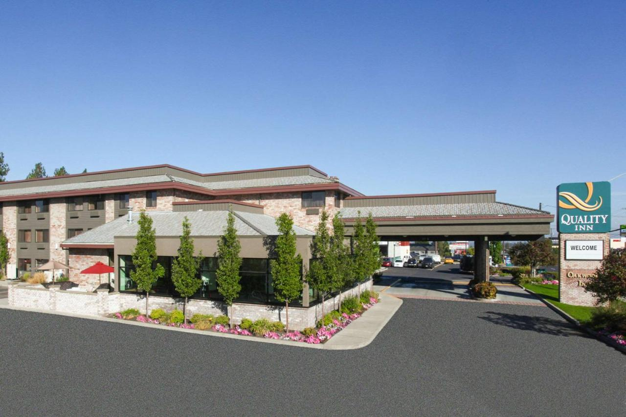 Отель Отель Quality Inn Oakwood