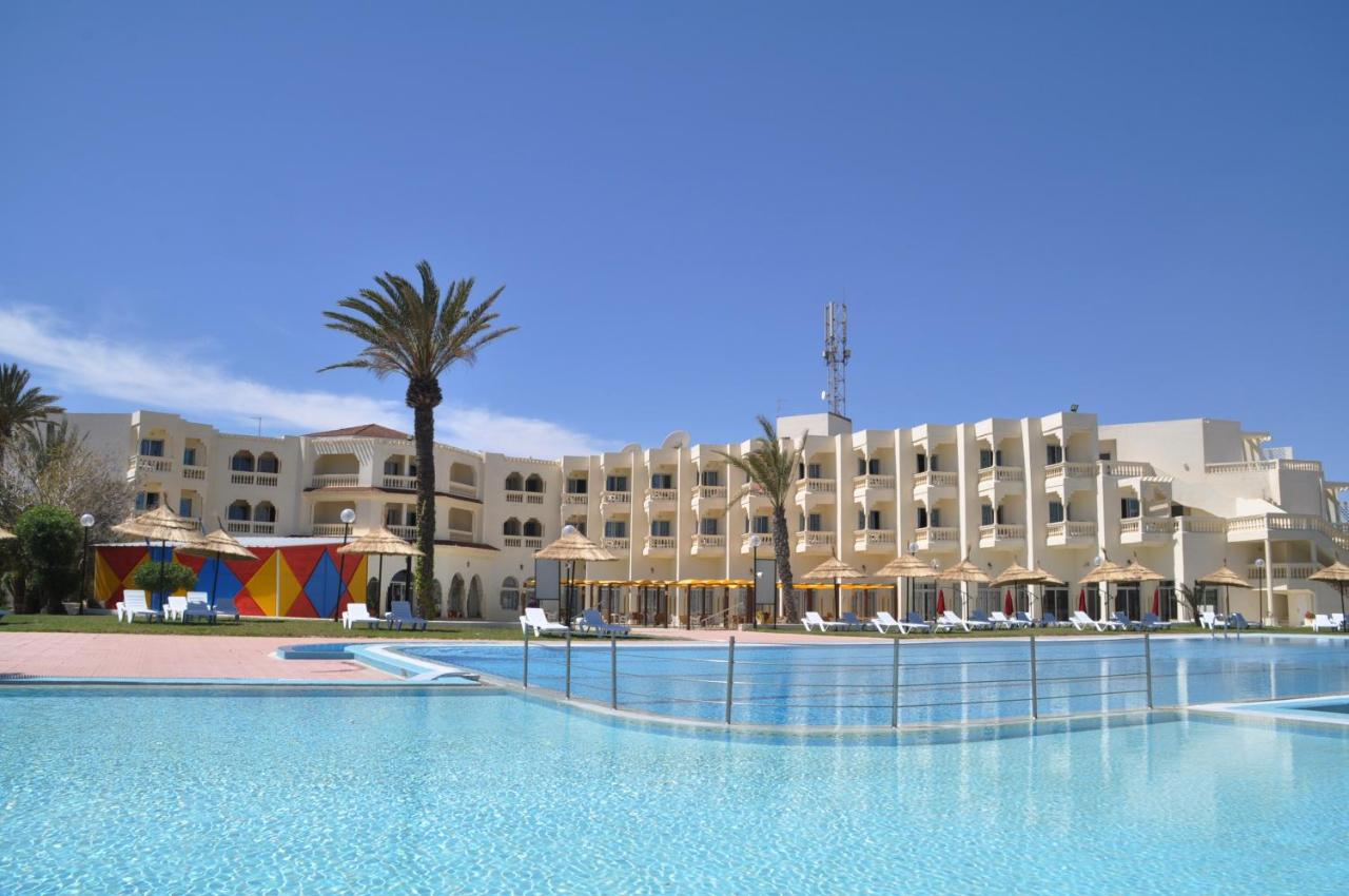 Отель  Neptunia Beach