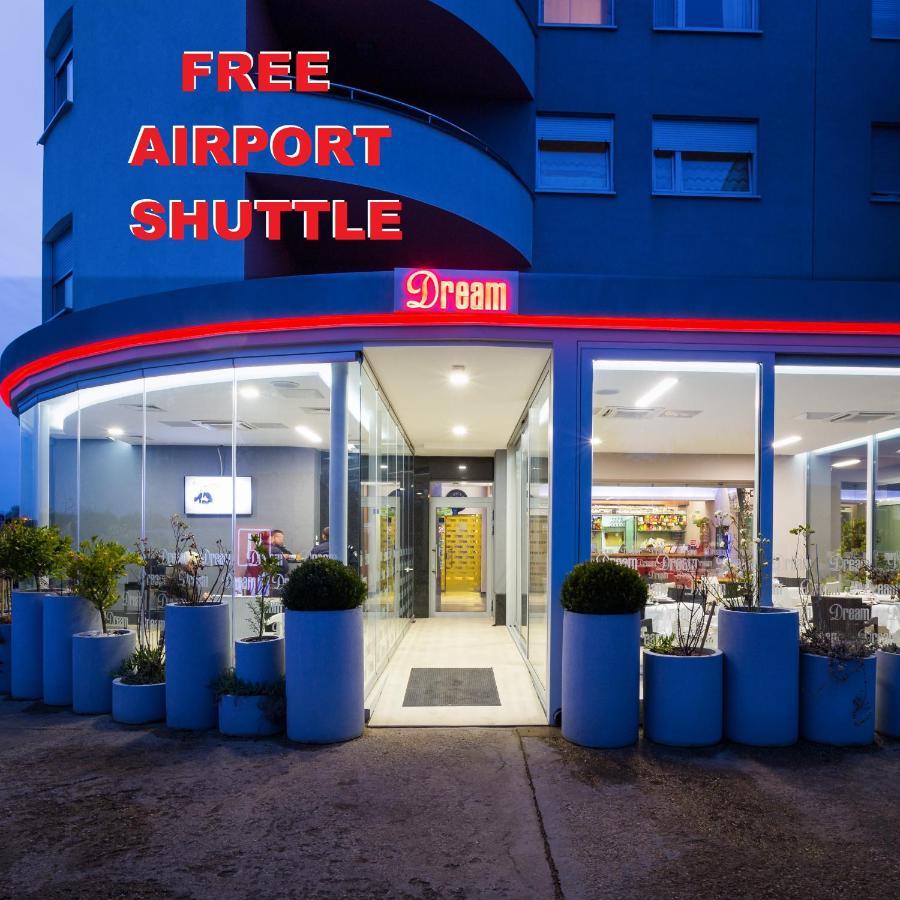 Отель  Dream Hotel  - отзывы Booking