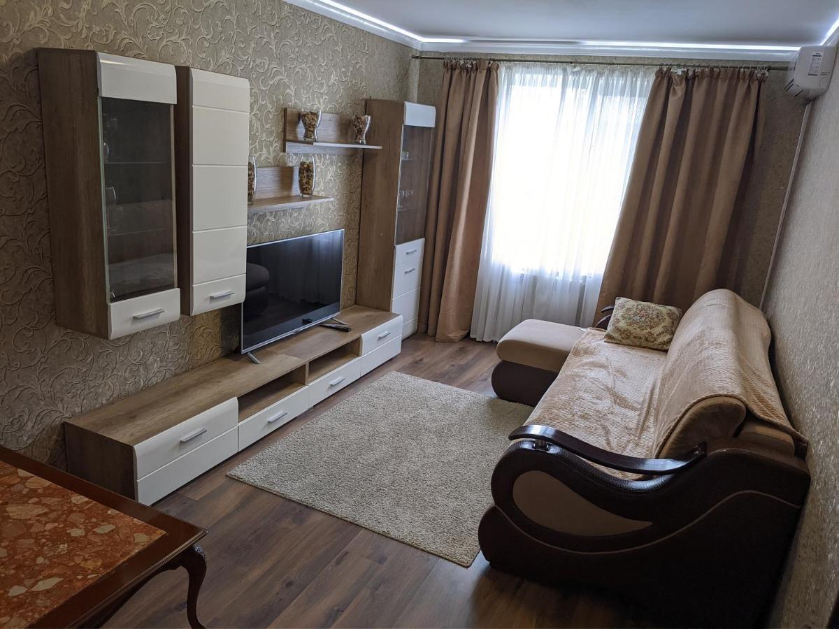Апартаменты/квартира  Sutochnie Kvartira V Kosheleve Mira 71-9