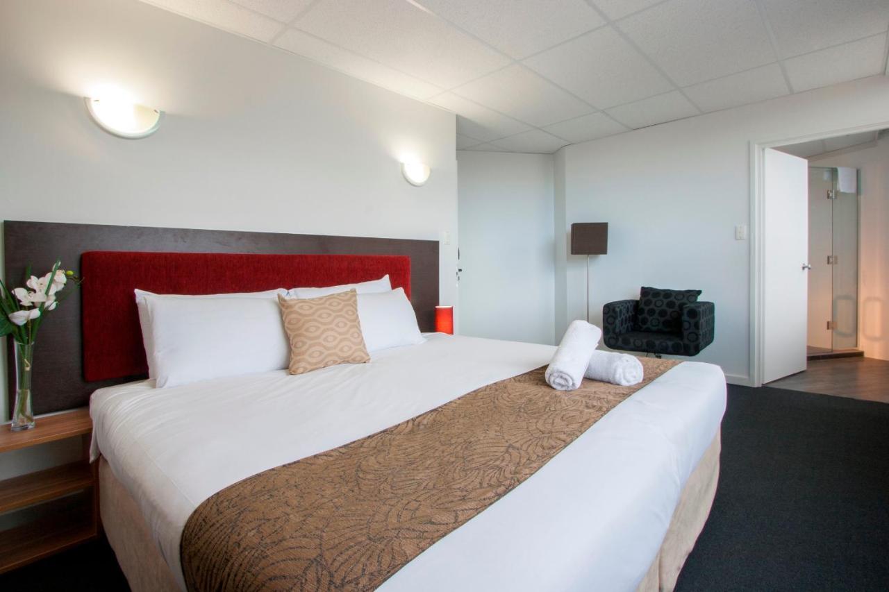 Отель  Отель  Ascotia Off Queen