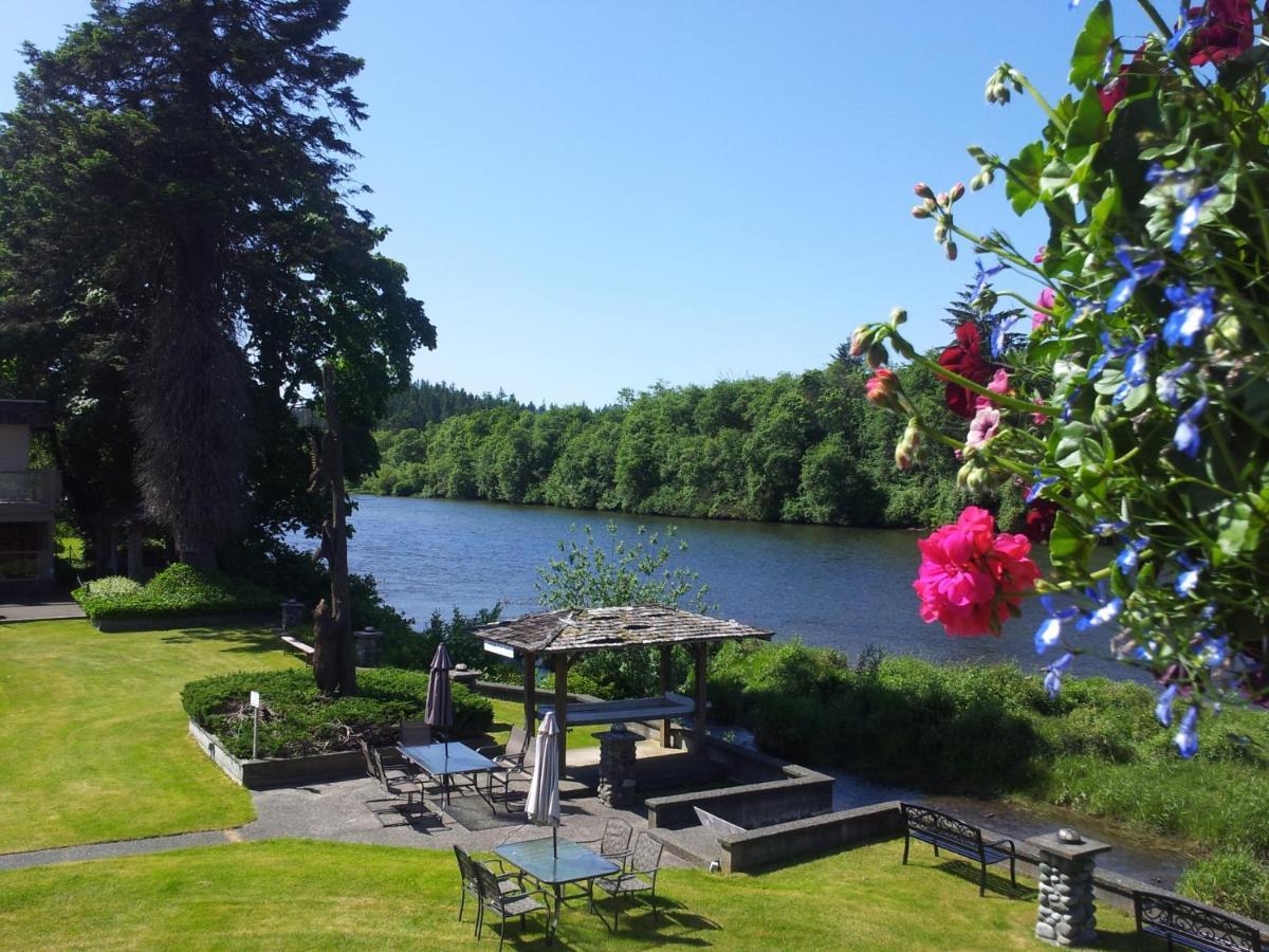 Отель  Campbell River Lodge by Riverside  - отзывы Booking