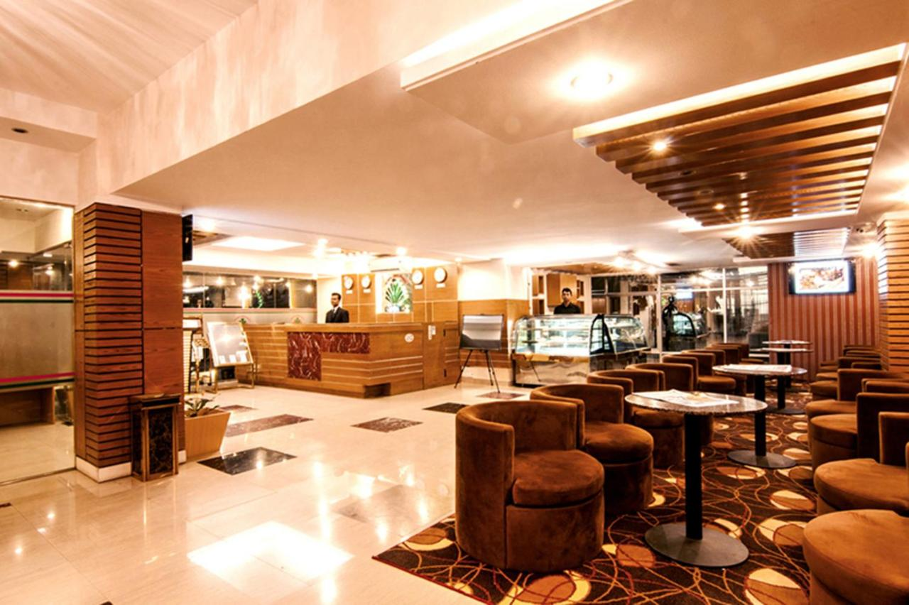 Отель  Отель  Century Park Residence