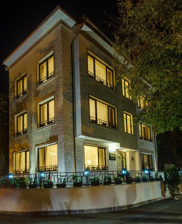 Отель  Vila Paris Boutique Hotel