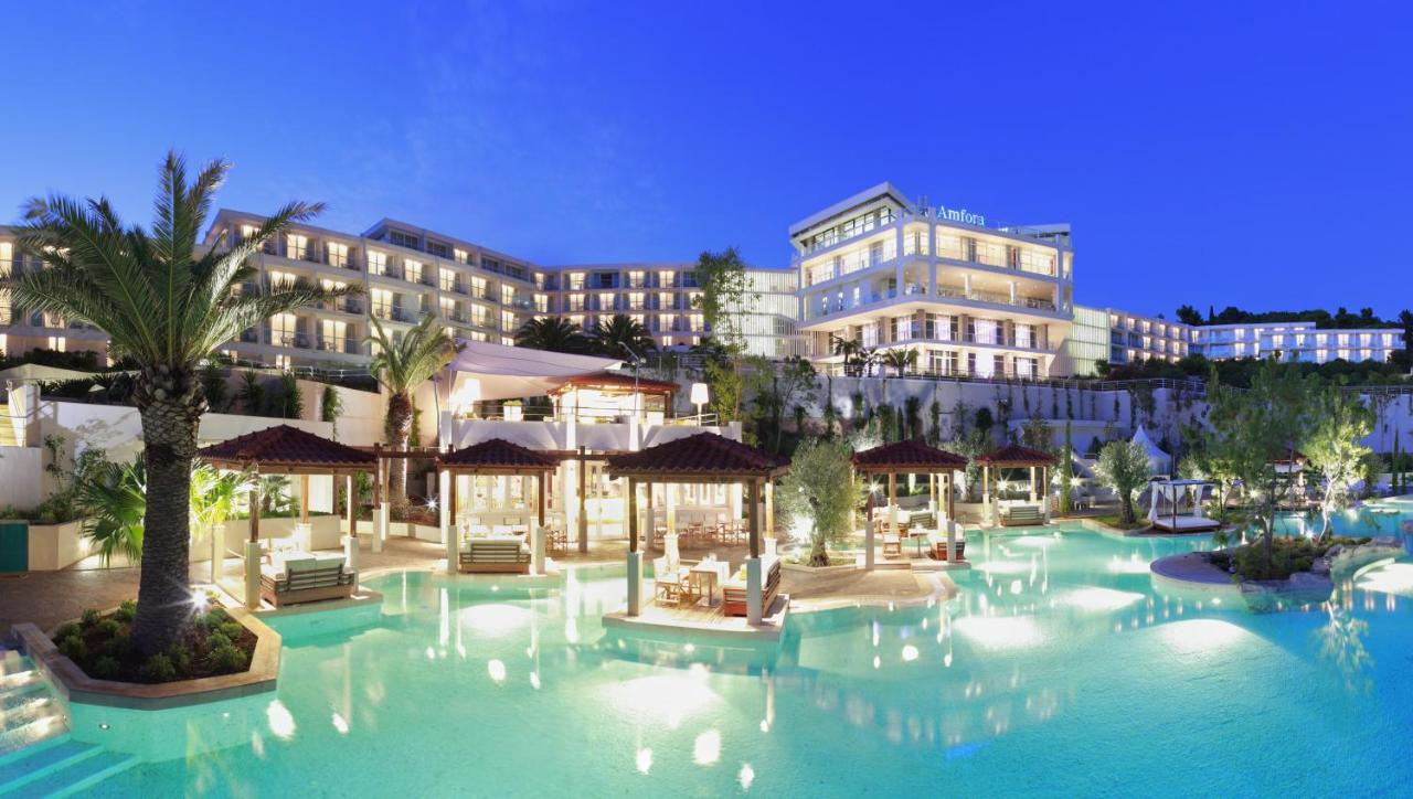 Бассейн в Amfora Hvar Grand Beach Resort или поблизости