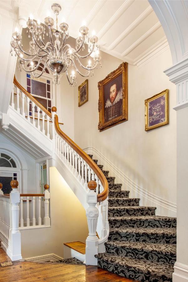 Отель  Отель  The Shakespeare Hotel